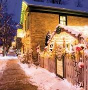 Cedarburg-Snowy-street